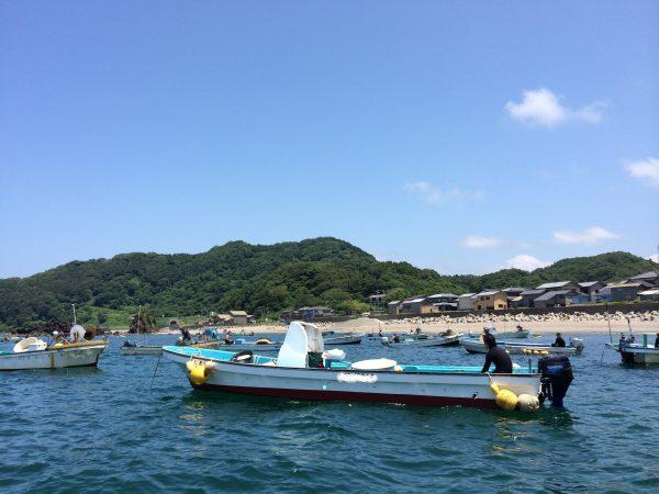 新潟県村上市山北産岩牡蠣漁の様子