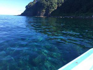 碁石海岸の透明な海