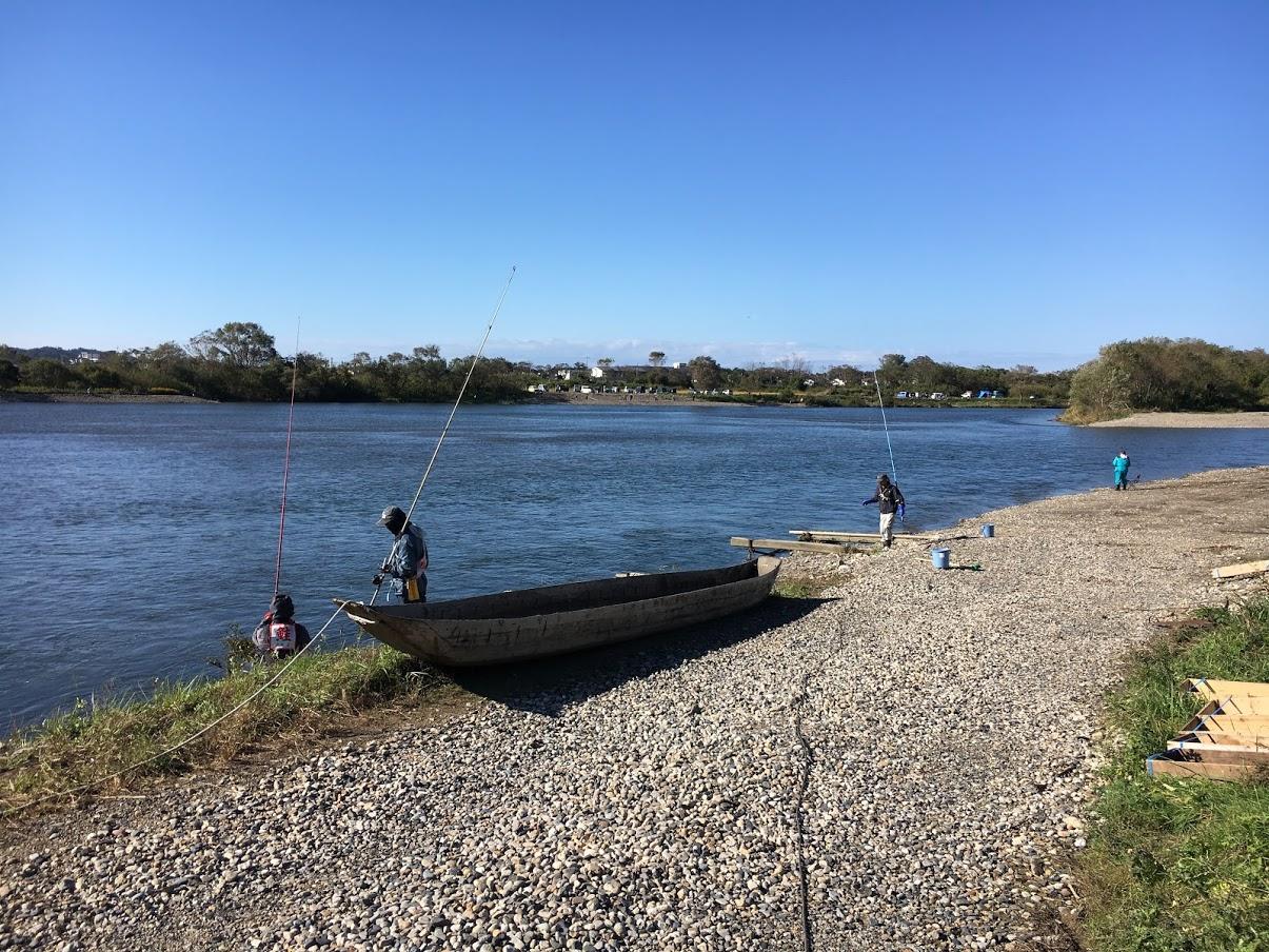 いぐりあみ漁を行う村上市の三面川