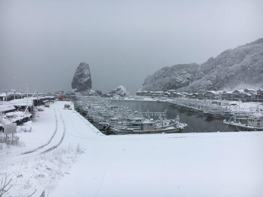 冬の新潟寝屋漁港