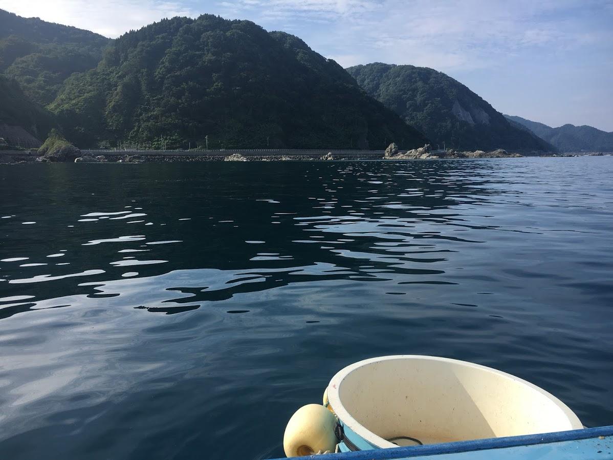 山北産岩牡蠣漁の桶